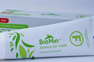 Biomimetinė dantų pasta Biomin